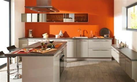 peindre mur cuisine design peindre une cuisine en deux couleurs avignon 27