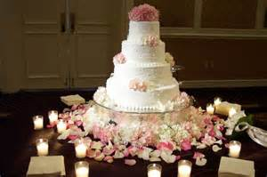 wedding cake decorations 37 creative wedding cake table decorations