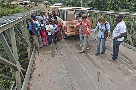 bureau veritas cote d ivoire côte d 39 ivoire libéria une mère et ses enfants réunis