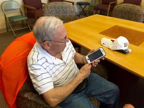 iphone classes for seniors senior programs colorado center for the blind