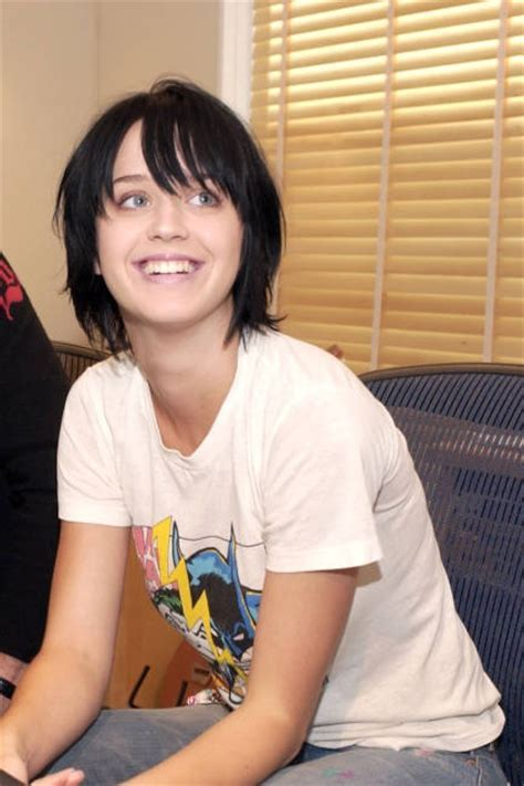 Best Looks: Katy Perry   Bed heads, Beds and Style news