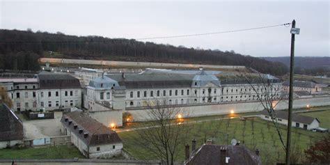 maison centrale de clairvaux la prison de clairvaux 224 nouveau bloqu 233 e par des surveillants