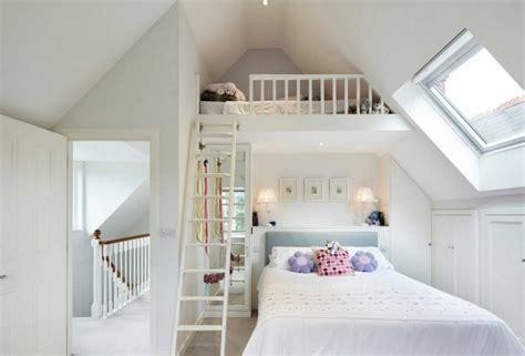 mezzanine dans une chambre lit mezzanine une pièce supplémentaire cosy et intimiste