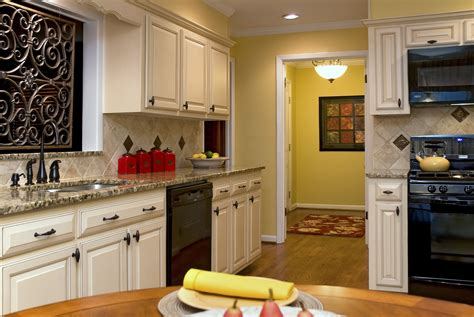 Decorating Kitchen by What S Cookin In The Kitchen Decorating Den Interiors