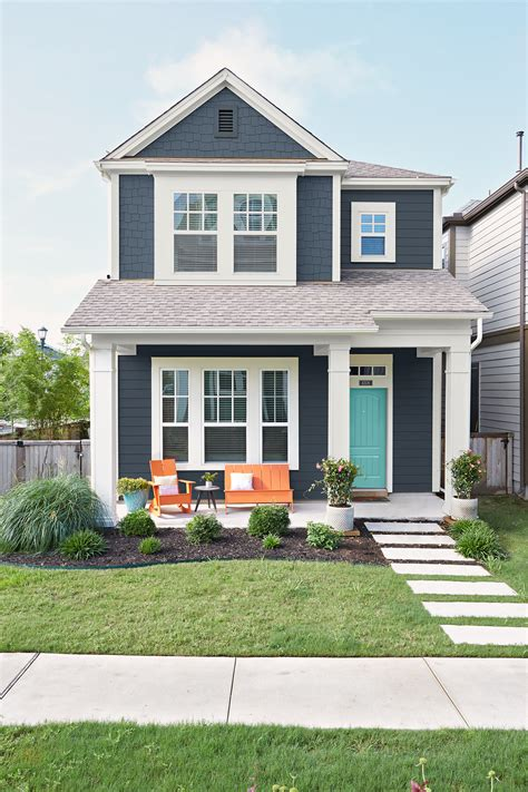 exterior paint colors with blue roof exterior color combinations done right