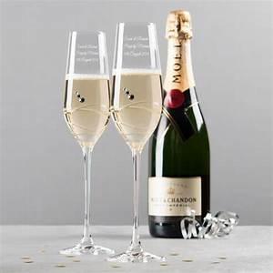 Flute A Champagne : engraved set of two swarovski crystal champagne flutes swirls ~ Teatrodelosmanantiales.com Idées de Décoration
