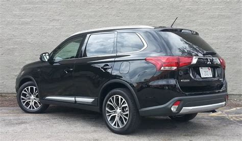 test drive  mitsubishi outlander gt  daily drive consumer guide  daily drive