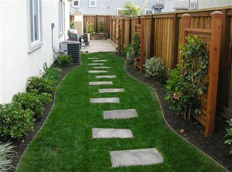 Backyard Runs by Best 25 Run Yard Ideas On