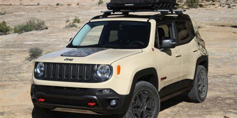 Jeep Introduces 2017 Renegade Deserthawk, Altitude Models