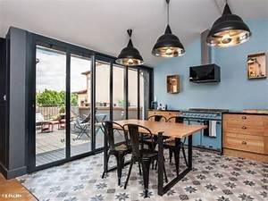 Cuisine Style Industriel Bois : une cuisine bleue au style industriel chic cuisine ~ Teatrodelosmanantiales.com Idées de Décoration