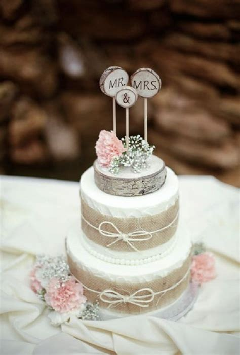 tiered wedding cake  burlap ribbon deer pearl