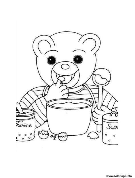 dessin de cuisine à imprimer coloriage petit ours brun cuisine un gateau dessin