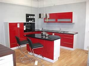Rote Arbeitsplatte Küche : rote kuche gelbe wand die neueste innovation der ~ Sanjose-hotels-ca.com Haus und Dekorationen