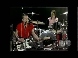 The Clash - London Calling/ Train In The Vain (Live On ...