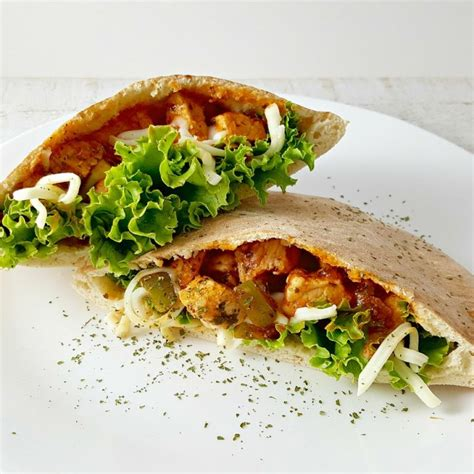 Easy Gyro Style Chicken Pita Sandwiches for Two (20 min ...