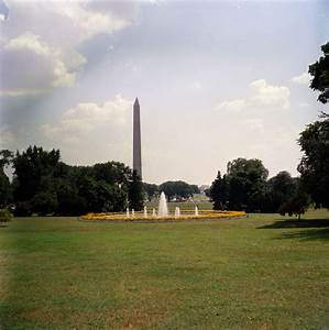 KN-C18495. Washington Monument from White House South Lawn ...