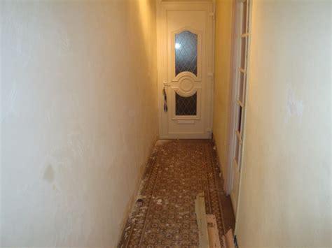 carrelage et mur de mon couloir
