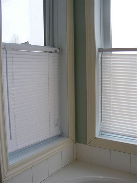 Mini Blinds by Cleaning Mini Blinds The Complete Guide To Imperfect