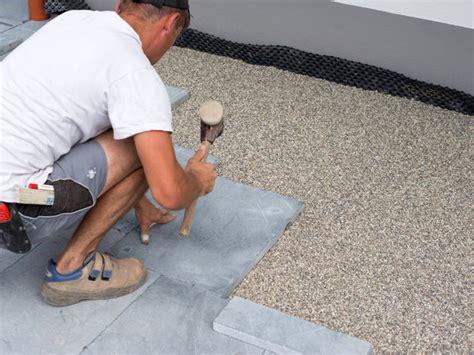 terrassenplatten auf beton in splitt verlegen terrassenplatten sicher auf beton verlegen jonastone