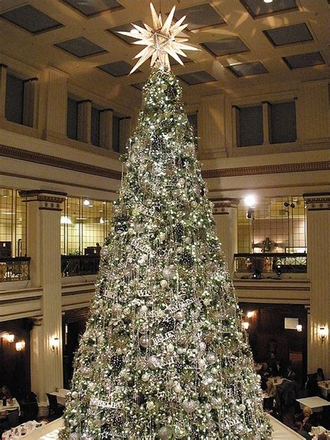 macy christmas tree chicago the most wonderful time of