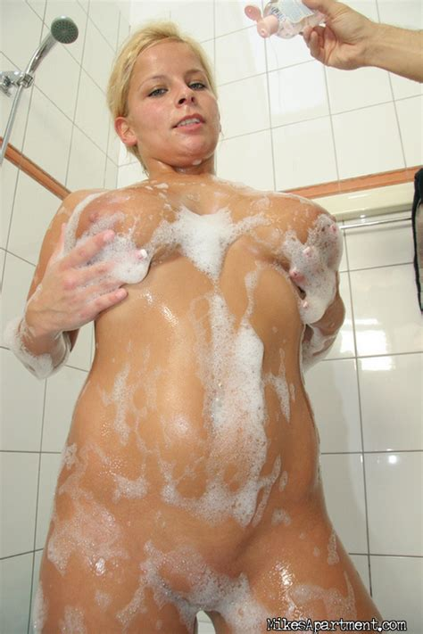 bubble boot bath the official free porn video and pictures by the reality kings