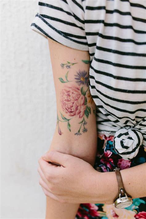 idees de tatouage de fleur  quelle est sa