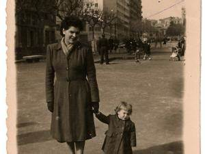 Mode Femme Année 50 : les ann es 50 miri bel et son manteau par souvenirs de la mode enfantine ~ Farleysfitness.com Idées de Décoration