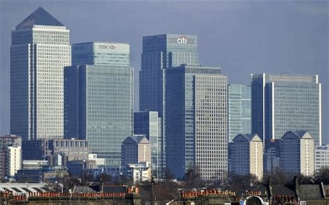 canary wharf wins injunction banning st pauls protesters