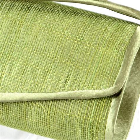 canapé vert anis canapé vert anis et vert mousse une association de