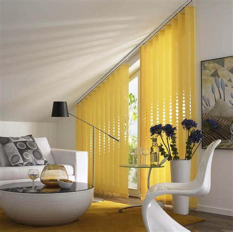 gardinen für giebelfenster sichtschutz im wohnzimmer moderne plissees gardinen und rollos