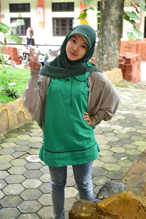 Amateur Asian Pictures Beauty And Hot Indonesian Jilbab