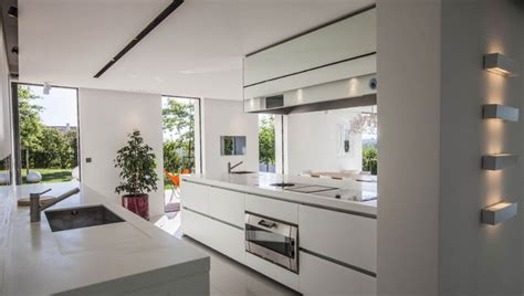 cuisine villa location villa contemporaine avec piscine au pays basque