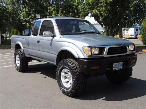 Toyota Tacoma 1997 by 1997 Toyota Tacoma Sr5 2dr 4x4 6cyl 5 Speed Lifted