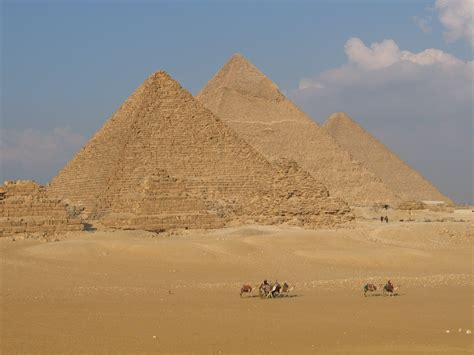 These 9 Famous Landmarks Look Absolutely Stunning Until