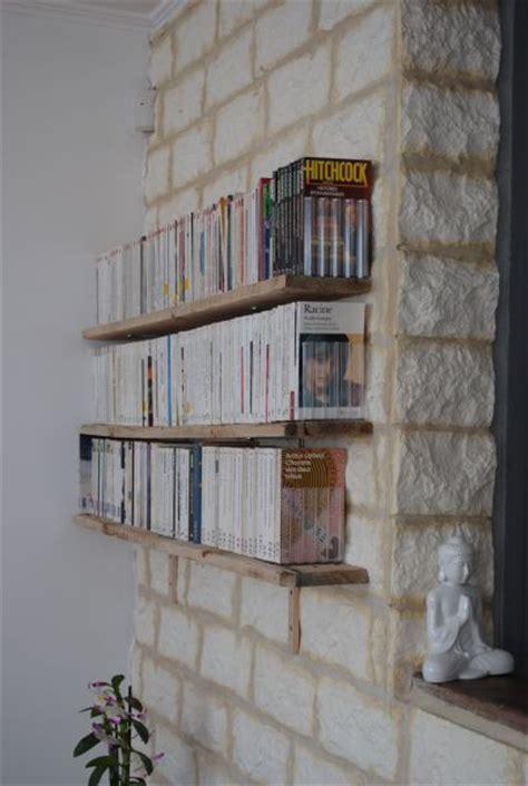 cuisine en bois brut déco des étagères pour livres de poche a of