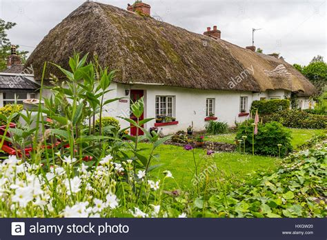 Cottage Irlanda by Thatched Cottage In Adare County Limerick