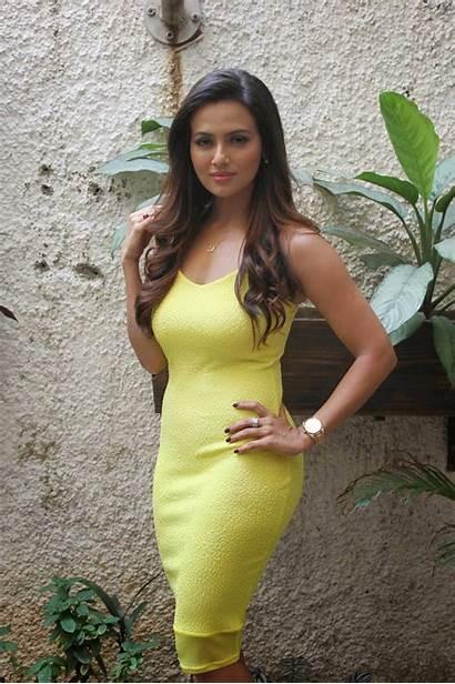 Sana Khan Latest Actress Bollywood Desai Rashmi