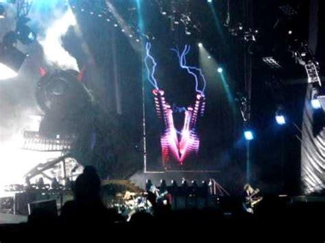 AC/DC -Thunderstruck - River Plate 6/12/09 - YouTube