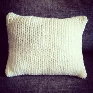 Tapis Laine Blanc : coussin esprit scandinave en tricot laine xxl blanc perle textiles et tapis par au coeur des ~ Melissatoandfro.com Idées de Décoration