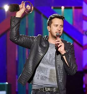 Luke Bryan Gives Emotional Speech After Death of His ...