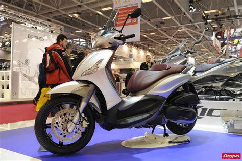 Piaggio Beverly Hd Photo by Salon De La Moto 2011 Piaggio Beverly 350 Sport Touring