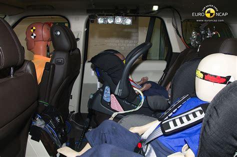 test crash siege auto range rover receives 5 ncap rating