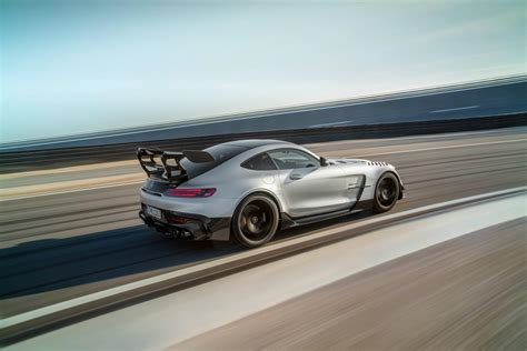 Sales start in early 2021 and amg on tuesday announced that pricing starts at $326,050, including destination. Mercedes-AMG GT Black Series (2021) - Super Express