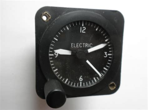 Aircraft Airplane Clock 12-14 Volt Borg Unlit