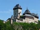 File:Burg Karlstein - Karlštejn - panoramio.jpg ...