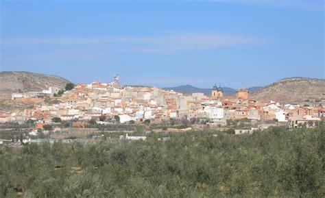 File:Elche de la Sierra, Albacete, Castilla-La Mancha ...