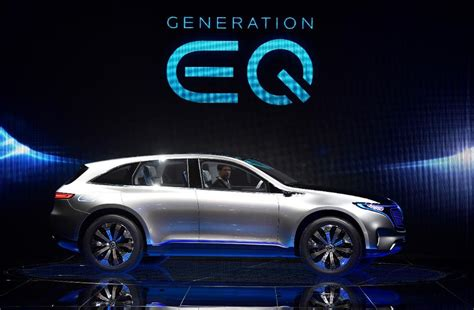 More Electric Cars by Auto Industry Cranks Up For More Electric Cars As Hybrids