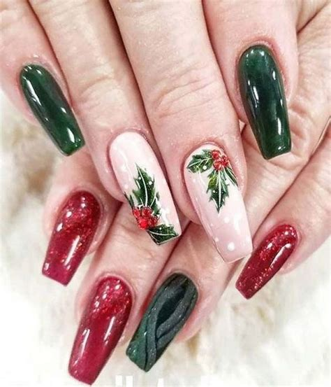 This product has such good shine and wear. 65+ Best Christmas Nail Art Ideas for 2020 - For Creative Juice