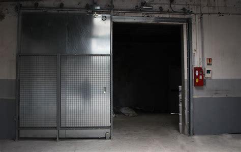 portes coupe feu industrielles pour ralentir les incendies