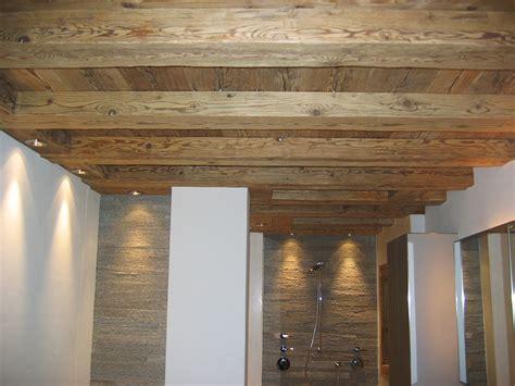 Decke Im Badezimmer by Decke Badezimmer Aus Altholz Josias Gasser Baumaterialien Ag